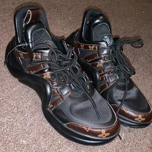 Louis Vuitton Shoes SZ 9.5